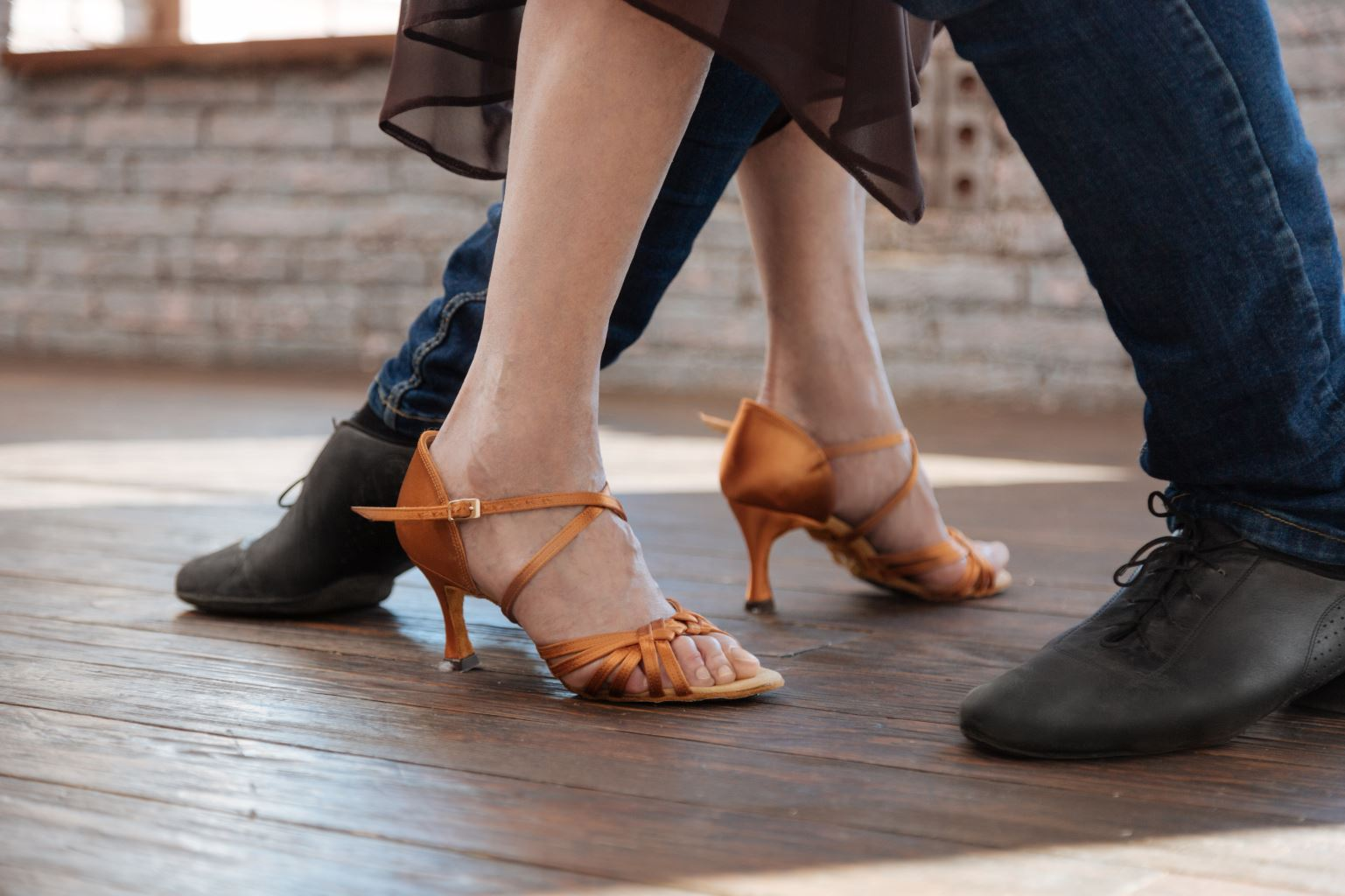Couples adult dance class