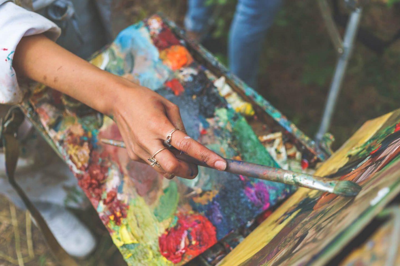 Adult Art woman with paint pallette