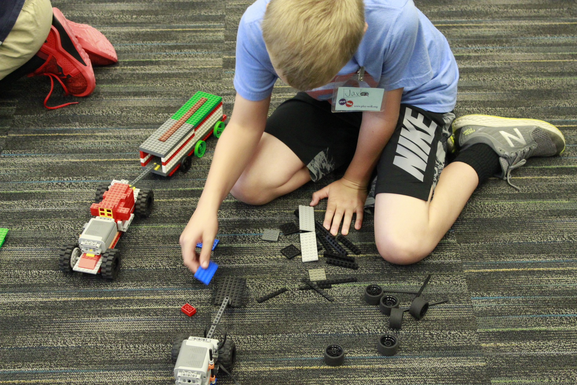 Minecraft Master Engineering with LEGO® Materials